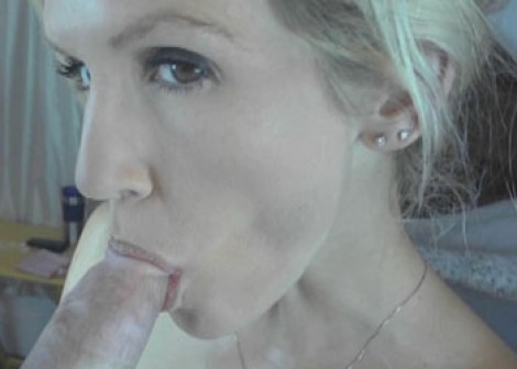 Petite wife Jolene takes it in the ass